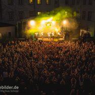 'Versengold' auf dem Schlosshof Festival 2015Foto: Markus Scholz - stagebilder.de